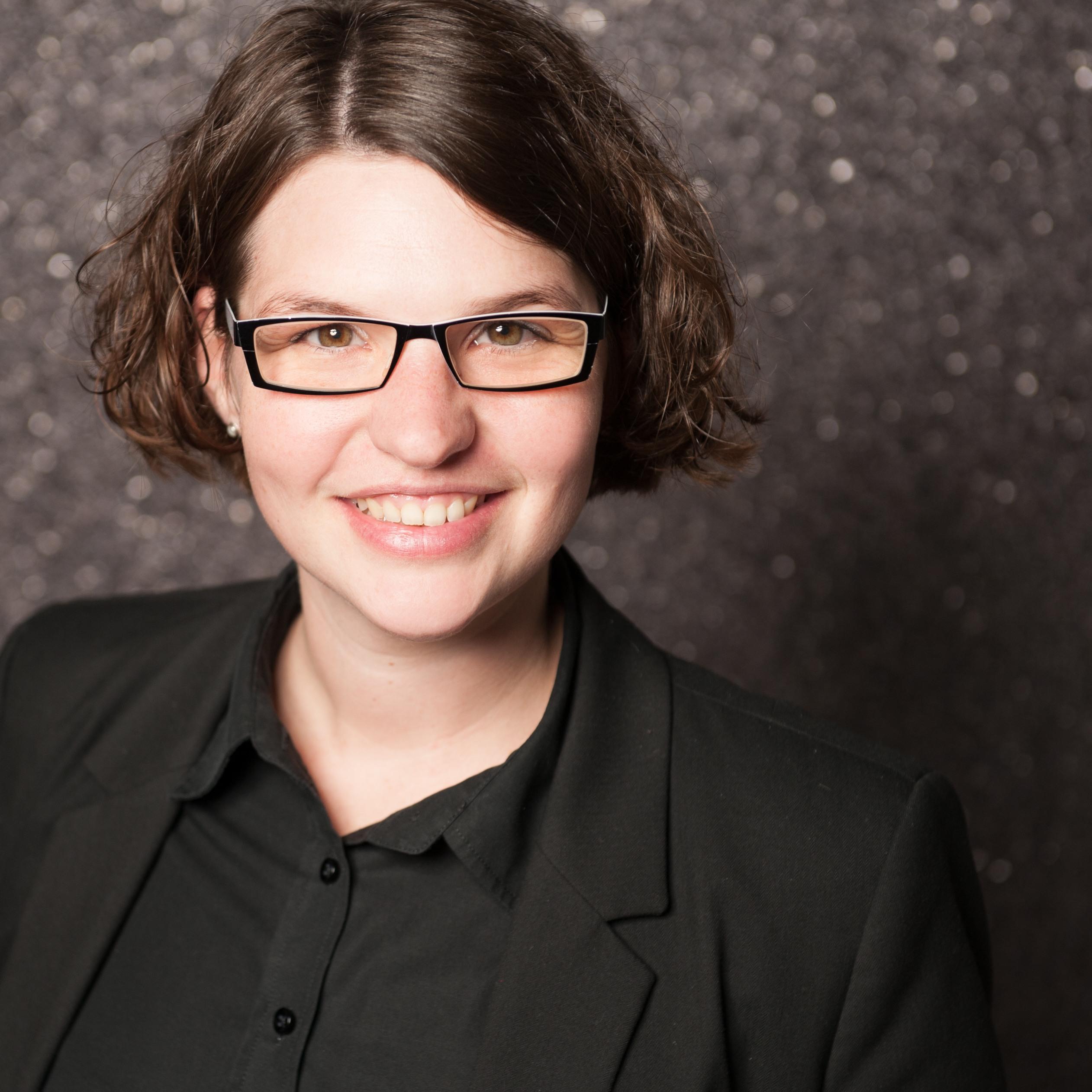 """""""Evaluation""""-Leiterin Miriam Zimmer verteidigt erfolgreich ihre Dissertation"""